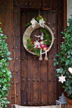 cut out the bottom of a basket to create a wreath