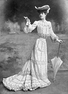 1902, Robe de garden party. Oh Pool Boy?