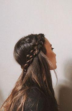 Summer braids envy Braided Crown Hairstyles, Braided Hairstyles Tutorials, Cute Hairstyles, Wedding Hairstyles, Summer Braids, Essential Oils For Hair, Hair 2018, Hair Hacks, Hair Accessories