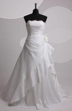 A-line Strapless Court Train Sleeveless Wedding Gowns