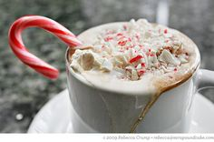How to make a Starbucks Peppermint Hot Chocolate.she just makes me want hot coco Peppermint Mocha, Peppermint Candy, Peppermint Sticks, Starbucks, Yummy Drinks, Yummy Food, Coffee With Alcohol, Christmas Coffee, Christmas Morning