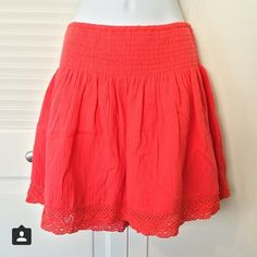 Express, orange, cotton skirt with lace hem detail Express, orange, cotton skirt with lace hem detail and stretchy waist, size M. So cute and summery! 100% cotton. EUC. Express Skirts
