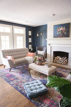 Tour Love the navy walls in this family room! Love the navy walls in this family room! Navy Living Rooms, Diy Living Room Decor, Family Room Decorating, Family Room Design, Living Room Modern, Rugs In Living Room, Living Room Designs, Living Room Furniture, Family Rooms