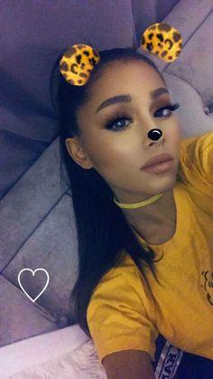 Love Ariana Grande!