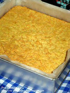 Kentang ketemu keju? Klop banget! ^_^ Kelembutan kentang berpadu dg gurih dan harumnya keju. Hmmm... Prol kentang ini pembuatannya sama de...