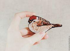 """Купить Вышитая брошь птичка """"Месье"""" - брошь птичка, вышитая брошь, брошь гладью"""