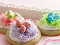 Easter Nest Cookies - super simple with the help of cookie mix and jelly beans