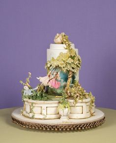 I could have pinned this on my Cake! board but this says so much more about sugar art than cake. It's exquisite.
