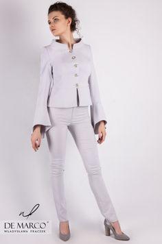 841da594b7 Kostium wizytowy damski ze spodniami szyty na miarę w De Marco. Szary  komplet wizytowy żakiet