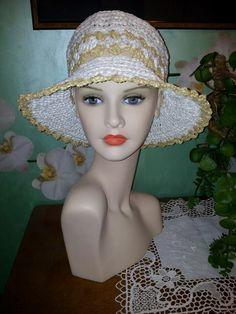 Cappello uncinetto estivo in rafia vegetale 100%