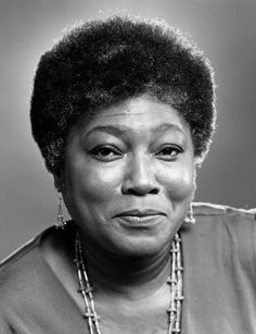 The darling Esther Rolle. | 29 Old School Black Actors Who Were Absolute Stunners