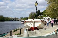 Here are 21 amazing places to see along the Thames in London. From east to west, you'll love these famous landmarks and secret spots. Richmond London, Richmond Park, Uk Capital, Famous Landmarks, Days Out, Outdoor Gear, Places To See, The Good Place, City