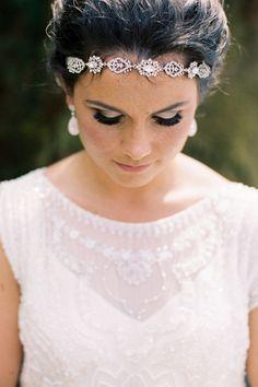Love this bridal headband wedding look! Cute Wedding Ideas, Wedding Styles, Wedding Inspiration, Wedding Looks, Dream Wedding, Craft Beer Wedding, Bridal Beauty, Wedding Hair Accessories, Bridal Headpieces