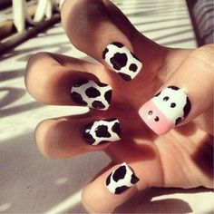 cow nails in black and white nails Nail Art Blanc, Nail Art Designs, Nails Design, Animal Nail Designs, Cow Nails, Nails For Kids, Cow Print, Creative Nails, Edgy Nail Art