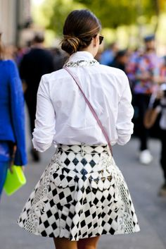 milan fashion week street style : b&w checkered skirt Cool Street Fashion, Street Chic, Paris Street, Style Casual, Style Me, Fashion Mode, Fashion Trends, Fashion Skirts, Checkered Skirt