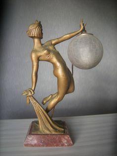 ancien sculpture art deco femme statue lampe veilleuse globe vintage lamp woman