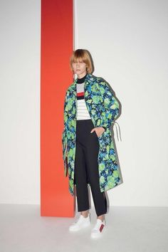 See the complete MSGM Resort 2018 collection.