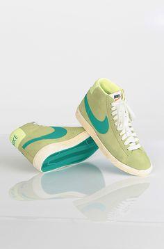 Nike Blazer Hi Suede Vintage kengät Liquid Lime 79,90 € www.dropinmarket.com