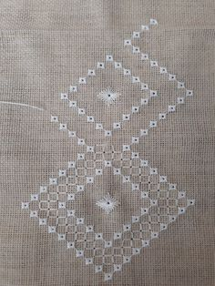 Hand Embroidery Tutorial, Hand Embroidery Patterns, Embroidery Designs, Hardanger Embroidery, Cross Stitch Embroidery, Ribbon Embroidery, Peasant Dress Patterns, Bargello, Drawn Thread