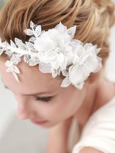 Delicate Floral Beaded Lace Headpiece
