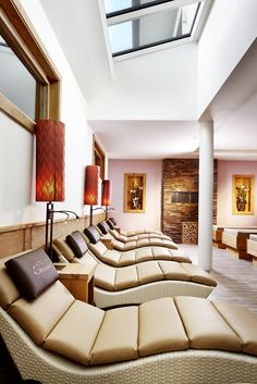 Hotel in Wals bei Salzburg Salzburg, Bed, Furniture, Home Decor, Pool Chairs, Environment, Decoration Home, Stream Bed, Room Decor