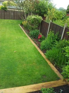 Garden edging - 47 Nice And Clean Lawn Edging Ideas for Your Yard Back Garden Design, Backyard Garden Design, Vegetable Garden Design, Backyard Landscaping, Landscaping Edging, Budget Landscaping Ideas, Vegetables Garden, Large Backyard, Wooden Garden Edging