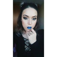 Baby alien   #makeup #makeupartist #glittertears #glittertears #instagramers #instalike #instablogger #makeuppoppin #bunnybuns #bun #sidebuns #cool #bluelips #ombrelips #blueombre #l4l #f4f #instamood #instacool #instasize #alien #blackwave #black #cooltones