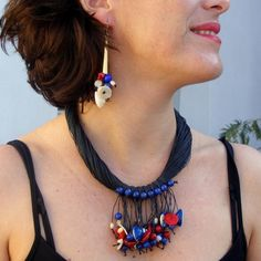⚫️ So beautiful ethnic earrings and necklace, red coral, pearl, cowries and lapis-lazuli...