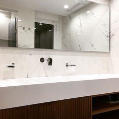 #Luxury-bathroom#customized#design#minimal-design#bagnoybagno#material#tileabksensi#teakwoodfurniture#coriancountertop#design#bydavidmizrahi#dmadstudio#2017