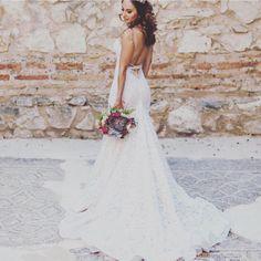 White Light Ivory Lace Organza Chiffon Illusion Net Low Back Mermaid Plunging Never Worn) 2/4 Sexy Wedding Dress Size 2 (XS)