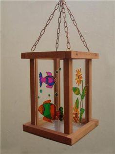 Farol en madera decorado en falso vitral