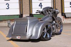 Old School Motorcycles, Triumph Motorcycles, Custom Motorcycles, Bagger Motorcycle, Motorcycle Tips, Harley Davidson Trike, Custom Trikes, Harley Bikes, Hot Bikes
