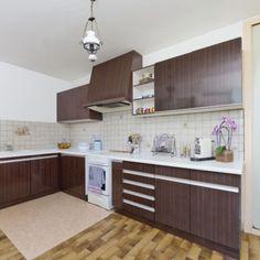Avant : une cuisine avec un carrelage au sol comme on n'en fait plus !