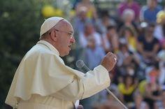 ローマ法王、「カトリック聖職者の2%に小児愛」 伊紙報道 写真1枚 国際ニュース:AFPBB News