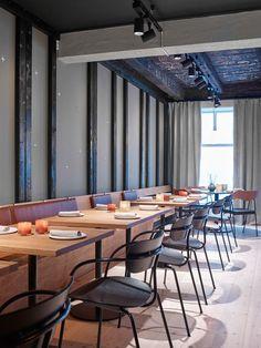 Sølvgrønn ble et perfekt valg Ikea, Conference Room, Restaurant, Table, Furniture, Home Decor, Decoration Home, Ikea Co, Room Decor