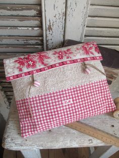 Big Cartel, Creation Couture, Pouch, Wallet, Fabric Bags, Diy And Crafts, Red And White, Creations, Gift Wrapping