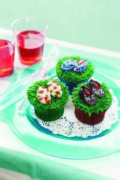 Jandal Cupcakes Kiwiana-Cupcakes-Cake-Pops-and-Whoopie-Pies- Cake Cookies, Cupcake Cakes, Cupcakes, New Zealand Food, Cake Decorating, Decorating Ideas, Kiwiana, Whoopie Pies, Decorated Cakes
