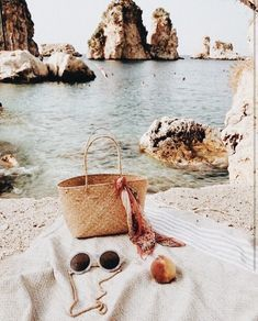 A beautiful view - Summer Vibes Summer Vibes, Beach Please, European Summer, Italian Summer, Image Clipart, Summer Aesthetic, Photo Instagram, Instagram Story, Adventure Is Out There