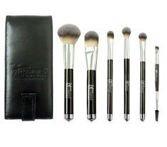 IT Cosmetics Brush Set. Best make up brushes ever!!! So soft!!