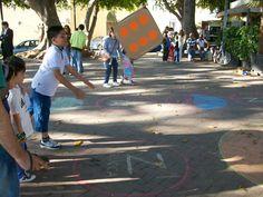 Il Gioco dell'Alfabeto   un grande gioco dell'oca nella villa comunale della città