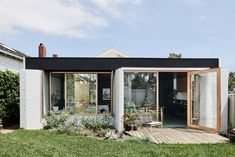 Local Australian Architecture & Design Brunswick West House Created By Taylor Knights 8 - The Local Project Architecture Design, Australian Architecture, Australian Homes, Melbourne Architecture, Beautiful Architecture, Bungalow Extensions, House Extensions, Bungalow Homes, Melbourne House