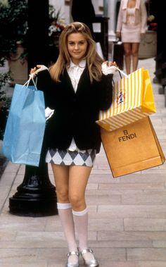 Cher Horowitz' Clueless outfits fashion clueless Here are the 15 best outfits Cher Horowitz wore in Clueless Cher Horowitz, Clueless Fashion, 90s Fashion, Fashion Outfits, Fashion Trends, Clueless 1995, Cher Clueless Outfit, Cher From Clueless, Dionne Clueless Outfits