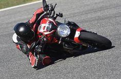 Ducati Monster 1200 R 2016 Test