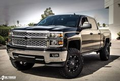 "EXTENDED TRAVEL DIRT-SERIES LIFT KIT | 2014 1500 2WD P/U | 6"" (Truck pictured has 6"" of lift in the front and 4"" in the rear)"
