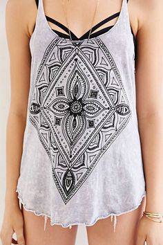 Truly Madly Deeply Mineralized Mehndi Tank Top - Urban Outfitters