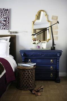 I have a chest that opens to a bar and the top opens in the middle to expand. i am thinking of doing this!  Love the blue wish it would go in my house.