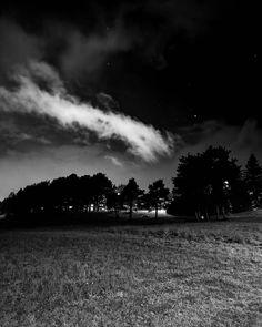 "294 likerklikk, 6 kommentarer – Kim André Hansen🇧🇻Bnw (@kiahans78) på Instagram: ""My night.  Tags #bnwsignature #photography #bnw_nature #darkroom_daydream #bwgrammer #bnw_focus_on…"" Addiction, Celestial, Sunset, Instagram, Pictures, Outdoor, Photos, Outdoors, Sunsets"
