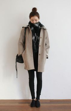 Korean Winter Fashion Ideas You Should Try Now - - Casual Winter Outfits Korean Winter Outfits, Winter Outfits For Teen Girls, Stylish Winter Outfits, Korean Fashion Winter, Korean Fashion Trends, Asian Fashion, Autumn Winter Fashion, Trendy Fashion, Fashion Ideas