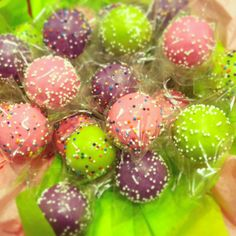 cake baller cake pops! Mondays don't need to be dreary. Pop some cakes, gets some color in your life. Bam. www.thecakeballers.com #thecakeballers #cakeballer #cakeballers #popofcolor #happymonday #rad #poppinthemthangs #happy #sweet #cakepops