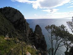 12/04/16 Descubre el monte Buciero: te encantarán sus paisajes. ¡Santoña te espera! #santoñateespera #turismosantoña #yosoydesantoña